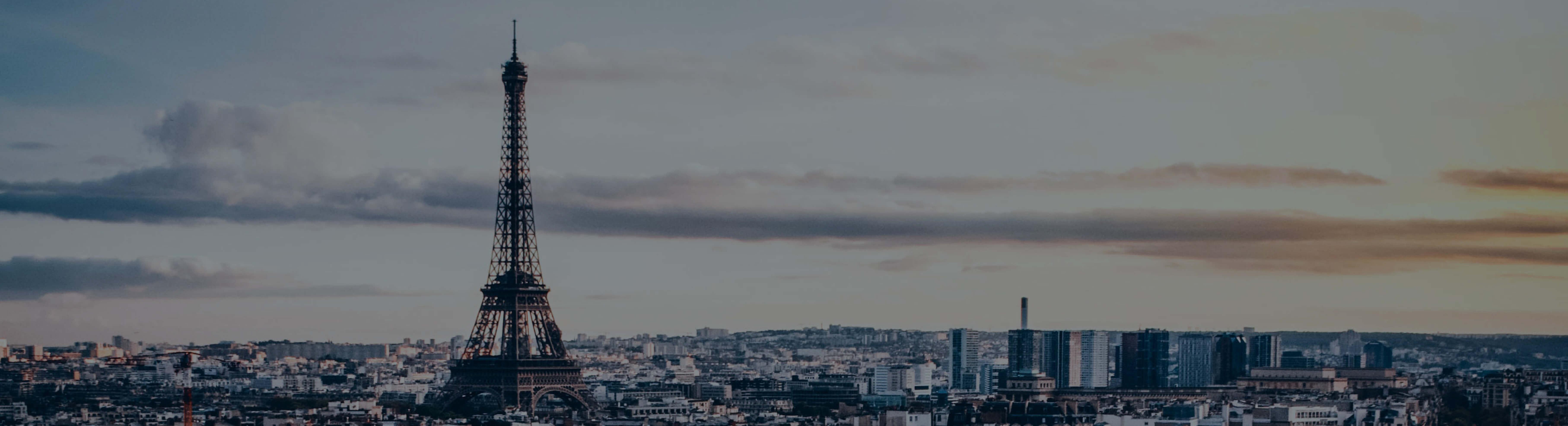 Voici une image vue du ciel de Paris