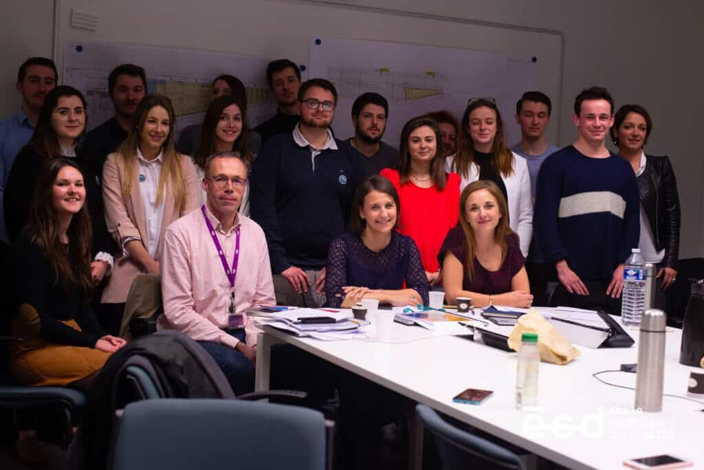 Toute l'équipe de la SNCF avec les étudiants M2 de l'ESD Bordeaux